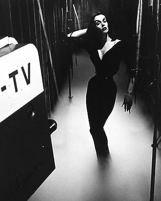 Maila Nurmi 16 (Vampira) Photo Print 16A