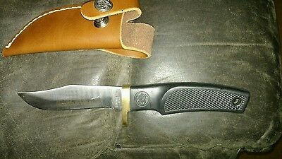 Vintage SMITH & WESSON Hunting Knife with S&W LEATHER SHEATH