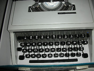Vintage 1960's Typewriter with Case Portable Lettera 31 Made in Spain