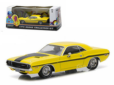 1970 Dodge Challenger R/t Yellow W/black Stripes 1/43 Greenlight Exclusive 86303