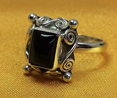 Vintage 925 Fine Sterling Silver Onyx Stone Ladies Ring - Size 8 1/4