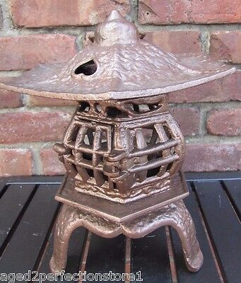 Vintage Cast Iron Pagoda Lantern Lamp Candle Holder three hearts on roof