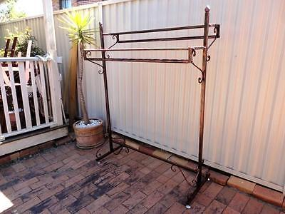 Iron Clothing Rack Two Display Shelves Free Stand Home Fashion Shop DRS018-CPR