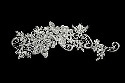"""Unotrim 7//8/"""" Off White Embroidered Sheer Organza Silver Bugle Beading Lace Trim"""