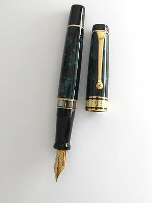 Aurora Optima Emerald Green & Gold 14Kt Medium Nib Fountain Pen New In Box   996