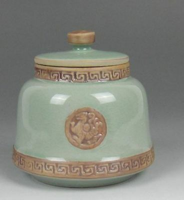 Exquisite Chinese Jingdezhen Ceramics Engraving The Tea Pot