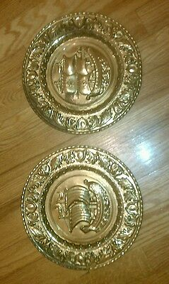 2 Vintage Brass Plates Wall Hanging Pictures Made In England.