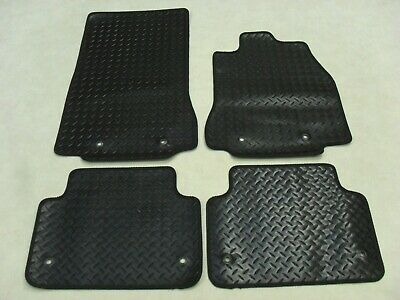 Fiat 500 2008-on Fully Tailored Deluxe Boot Mat in Black