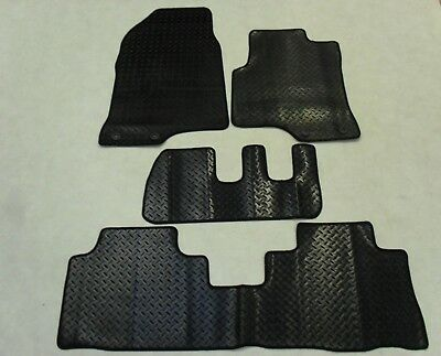 Chevrolet Captiva 2008-on Fully Tailored Deluxe RUBBER Car Mats in Black