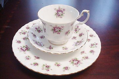 """Royal Albert England TRIO """" Sweet Violets"""". Cup, saucer and plate[7G]"""