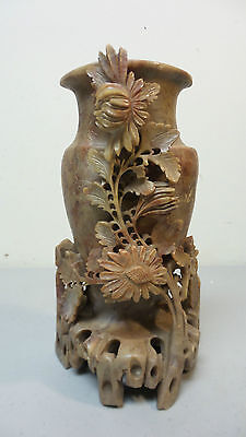 19th CENTURY CHINESE CARVED SOAPSTONE FLORAL DECORATED VASE, c. 1900