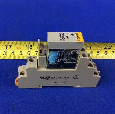 Omron G2R-2-Sn(S) Relay 24Vdc With P2Rf-08-E Base Socket