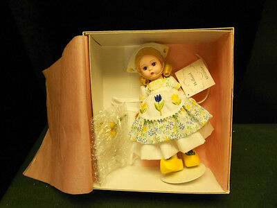 Madame alexander 33490 holland new in box with papers for Alexander holland