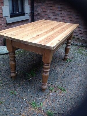 Fine Vintage Scottish Farmhouse Plank Top Solid Chunky Honey Pine Dining Table
