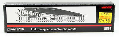 Marklin Z Gauge 8563 Electric Right Hand Point (4F)