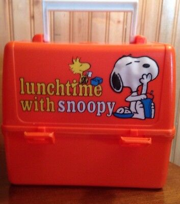 Lunchtime with Snoopy lunchbox - vintage 1965 - King Seeley - cool collectable!