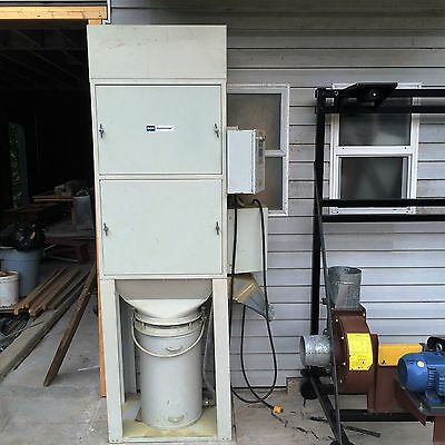 DCE Unimaster, Shaker, Dust Collector with new Rotary Airlock on moving stand