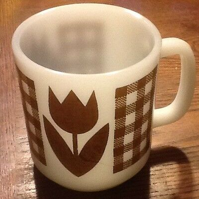 Milk Glass Brown Tulip Gingham Plaid Coffee Mug Set Cup Vtg