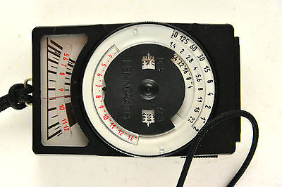 Leningrad 8 light meter with lanyard and case