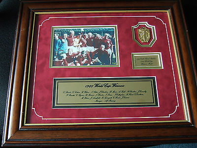 England 1966 World Cup Winners - Framed Picture And Medal - Coa