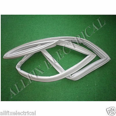 Used Whirlpool WBM39LW Freezer Door Seal Gasket - Part # 004235681SH • AUD 40.00
