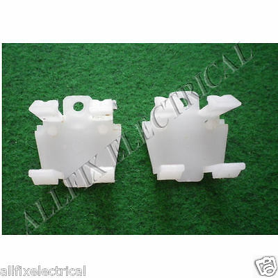 Used Whirlpool Fridge WBM39LW WBM35LW WBM46LW Kick Panel Clip- Part# 004182545SH