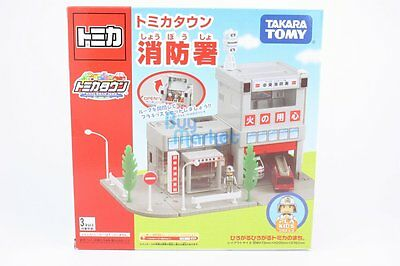 Takara Tomy Tomica World Town Building Electric Fire Station with mini figures