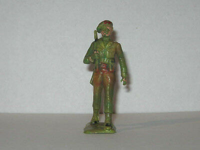 1 x CHERILEA 1960's BRITISH PARATROOPER MARCHING with RIFLE. 60mm TOY SOLDIER