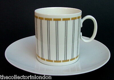 Thomas Vertical Stripes Pattern Medallion Shape Coffee Cups & Saucers in VGC