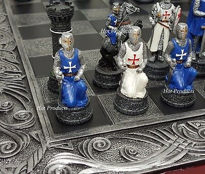 MEDIEVAL TIMES CRUSADES KNIGHTS WHITE & BLUE  CHESS Set W/ CELTIC BOARD