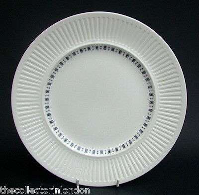 Johnson Brothers 1970's Embassy Athena Breakfast or Sm Size Dinner Plates 23cm