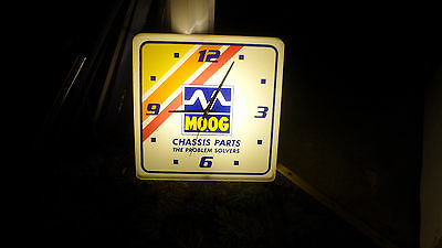 Mega Rare 1993 Moog Chassis Parts Auto Large  Lighted Wall Clock Sign Only 1