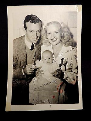 ORIGINAL AUTOGRAPHED 5x7 PHOTO Signed Betty Grable Harry James SIGNATURES baby