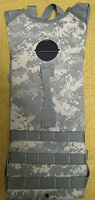 New Genuine Us/ussf Acu Camouflage Molle Ii 3 Litre Hydration Carrier/backpack.
