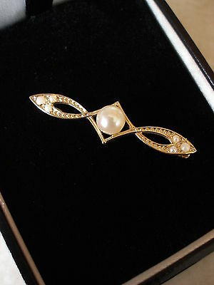 9 Carat Yellow Gold Pearl Brooch Made In England Brand New In Box Pure Quality