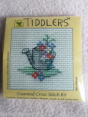 Mouseloft tiddlers CROSS STITCH KIT ~ MOUSTACHES ~ 5.5 cm x 5.5 cm ~ NUOVO