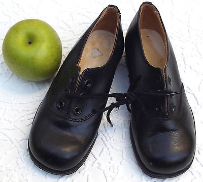 Vintage leather shoes CHILDRENS SIZE 9 unworn 1930s 1940s 50s boy girl IMPERFECT