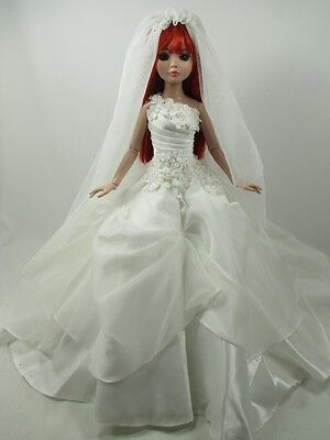 Outfit Dress Wedding Gown with veils Tonner Tyler Essential Ellowyne # 800-8