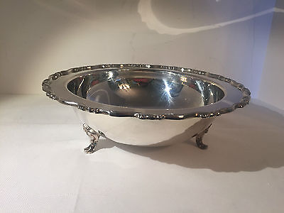 WM A Rogers Oneida Silverplate Footed Hollowware Bowl in Scalloped Edge 10.5 dia