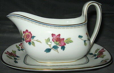 Wedgwood Chinese Flowers  Gravy Boat With Underplate