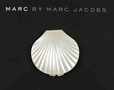 Marc Jacobs Pearl Sea Shell Compact Mirror NEW
