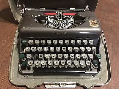 Vintage  - Imperial Good Companion, Model 1 Typewriter in Hard Case