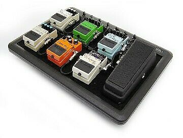 SKB PS-8 Powered Effects Pedalboard w/ Soft Case