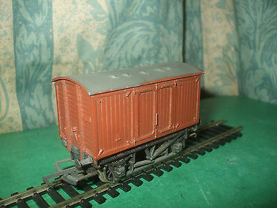 Hornby Hull & Barnsley Ventilated Van - Repainted