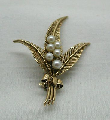 Very Pretty 9ct Gold And Cultured Pearl Fern Leaf Spray Brooch