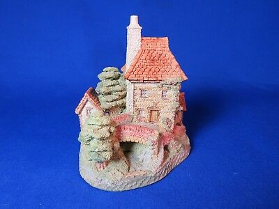 Tollkeepers Cottage by David Winter Retired 1992  Hand Made & Hand Painted
