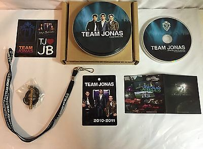 NEW Team Jonas Brothers Official Fan Club Gift Set 2010-2011 Necklace Charm DVD