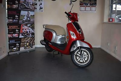 Sym Fiddle 3 III 125cc | Learner Legal | Retro Fashion | Top Box | Easy To Ride