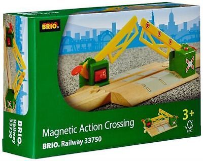 Brio Magnetic Action Crossing Train accessory Thomas Compatible NEW 33750