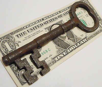 Antique Vintage Reproduction Old 1800's Style Skeleton Key LARGE Cast Iron ><>